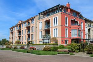 Apartment Community